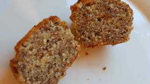 Banana and milled flaxseed muffins